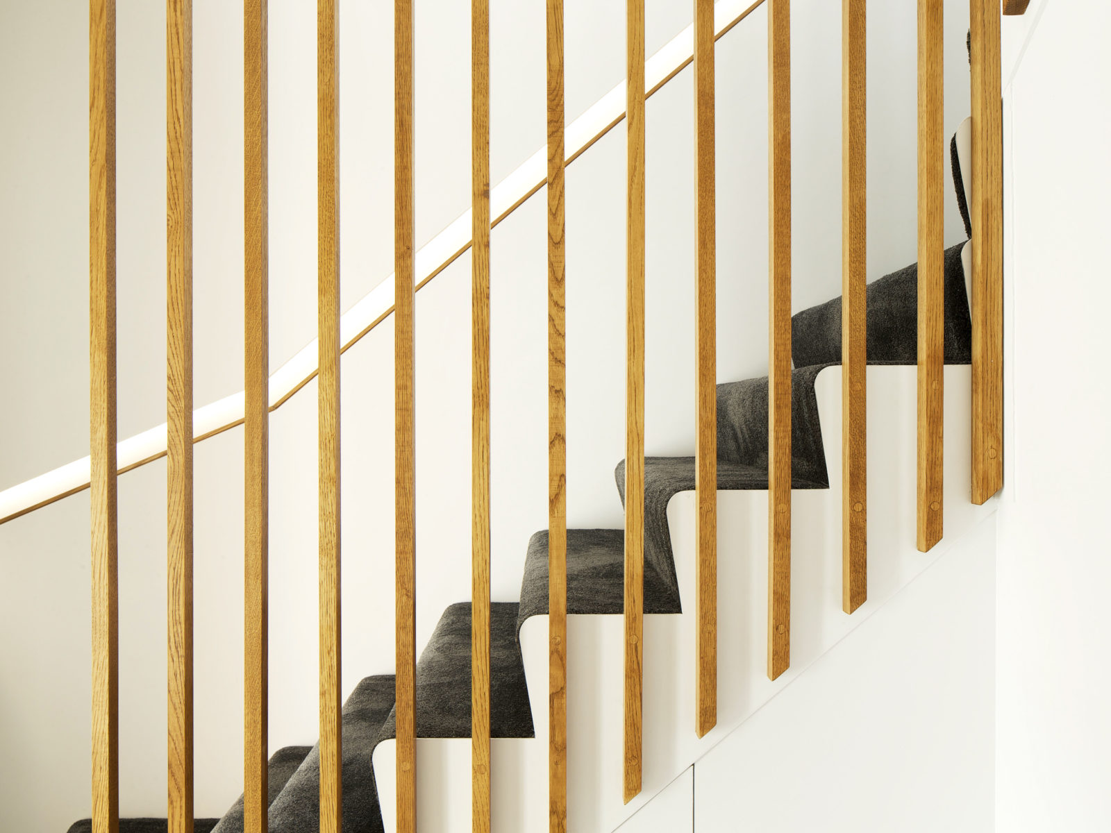 staircase oak battens balustrade