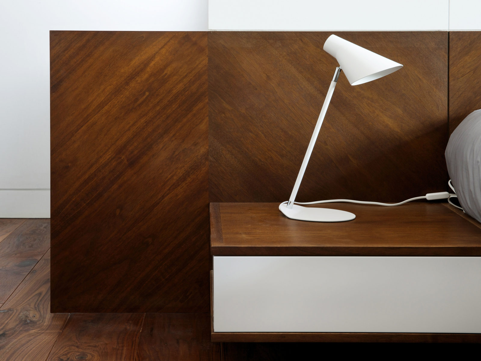 walnut veneer bedside table with touch to open lacquered drawer