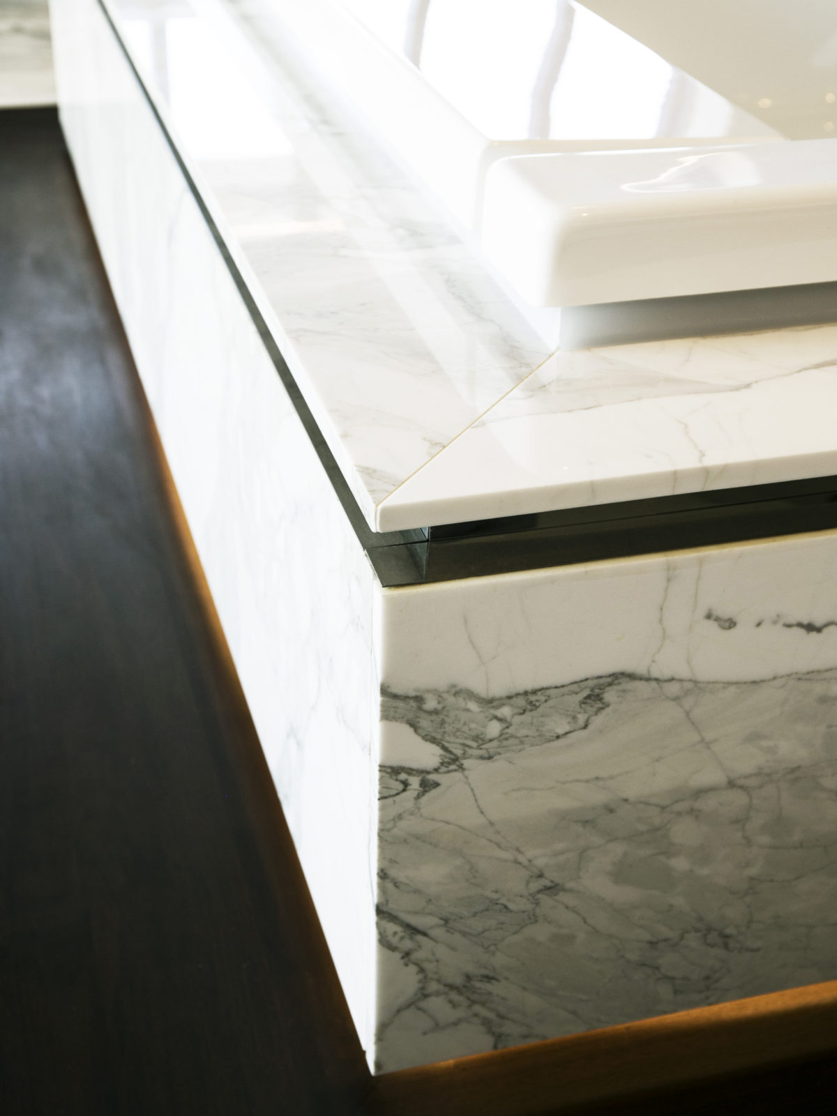 Calacatta marble bathroom surround detail
